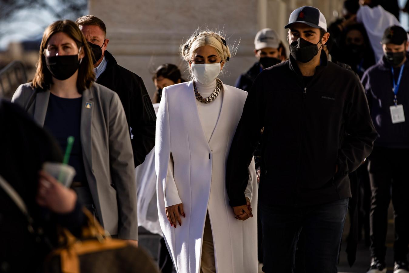 Lady Gaga verlaat het Capitool na de generale repetitie voor haar optreden tijdens de inauguratieceremonie van Joe Biden.