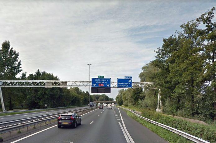 De A27, bij afslag Werkendam.