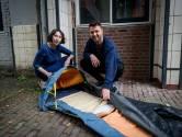 Deventer beddenfabrikant Auping maakt matras voor daklozen en zo ziet dat eruit