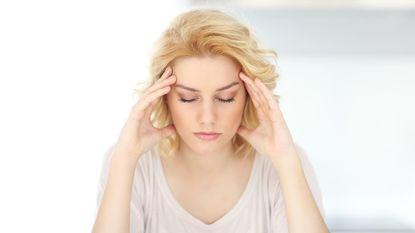 Opgestaan met hoofdpijn? Misschien ligt het aan je slaaphouding