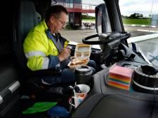 Wegrestaurants balen enorm van sluiting horeca, truckers kunnen alleen eten afhalen bij Napoleon in Hank