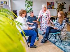 Bij de herstelacademie werken geen therapeuten maar ervaringsdeskundigen: 'Mensen voelen zich veilig hier'
