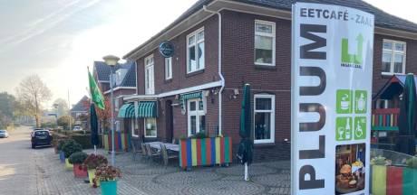 Eetcafé De Pluum in Stokkum sluit na 15 jaar gedwongen de deuren: 'Gemiste omzet is niet meer in te halen'