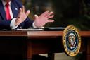 De Amerikaanse president Trump spreekt op Thanksgiving de troepen in het buitenland toe.