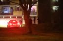Jongeren kwamen zondag naar de rotonde van de Drie Maagden in Apeldoorn om te protesteren tegen de avondklok. Na de nodige onrust lukte het de politie in samenwerking met jongerenwerkers om de jeugd huiswaarts te laten keren.