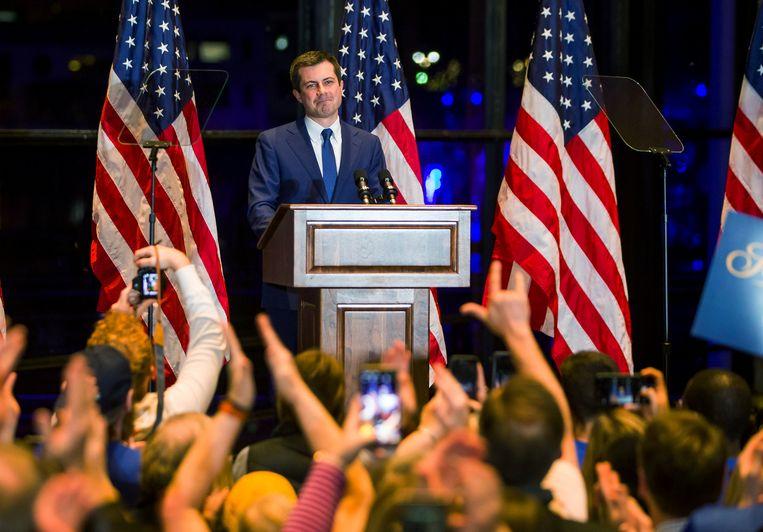 Pete Buttigieg kondigt in zijn thuisstad South Bend aan dat hij zich terugtrekt uit de race om de Democratische nominatie voor het presidentschap. Beeld via REUTERS