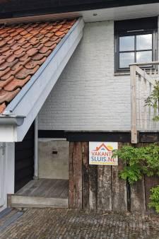 Sluis wil woningverhuur aan toeristen reguleren, maar hoe?