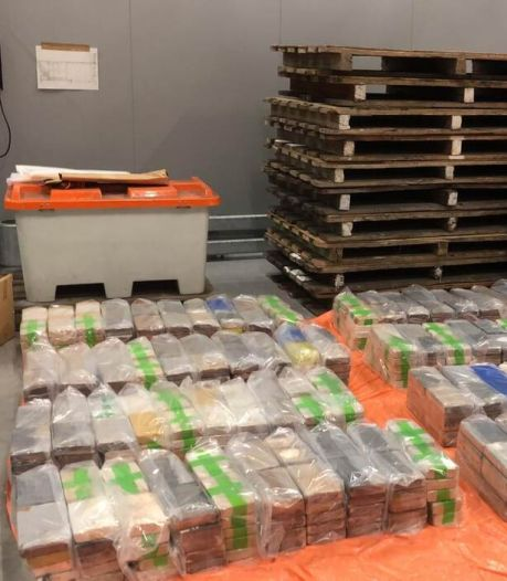 Smokkelaars verstoppen megalading van 740 kilo cocaïne tussen soja, maar douane heeft truc door