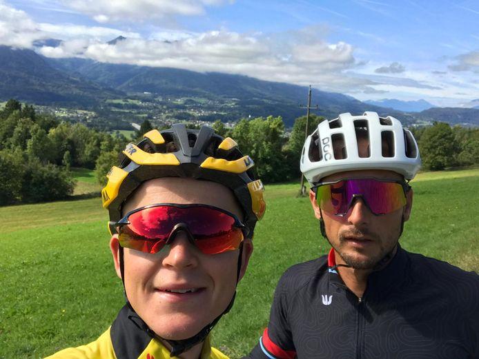 Antwan Tolhoek en Johnny Hoogerland in de Oostenrijkse bergen.