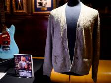 Drie ton voor beroemd vest van zanger Kurt Cobain