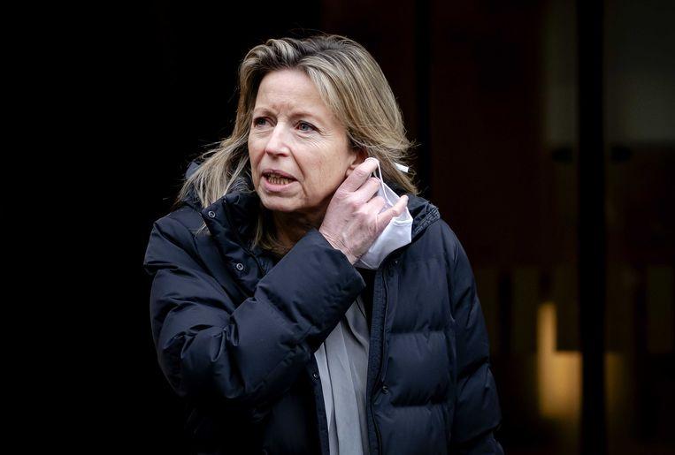 Demissionair minister Kajsa Ollongren (binnenlandse zaken en koninkrijksrelaties) vertrekt na het overleg van de Ministeriele Commissie Covid-19 over de aanpak van het coronavirus. Beeld ANP, Bart Maat