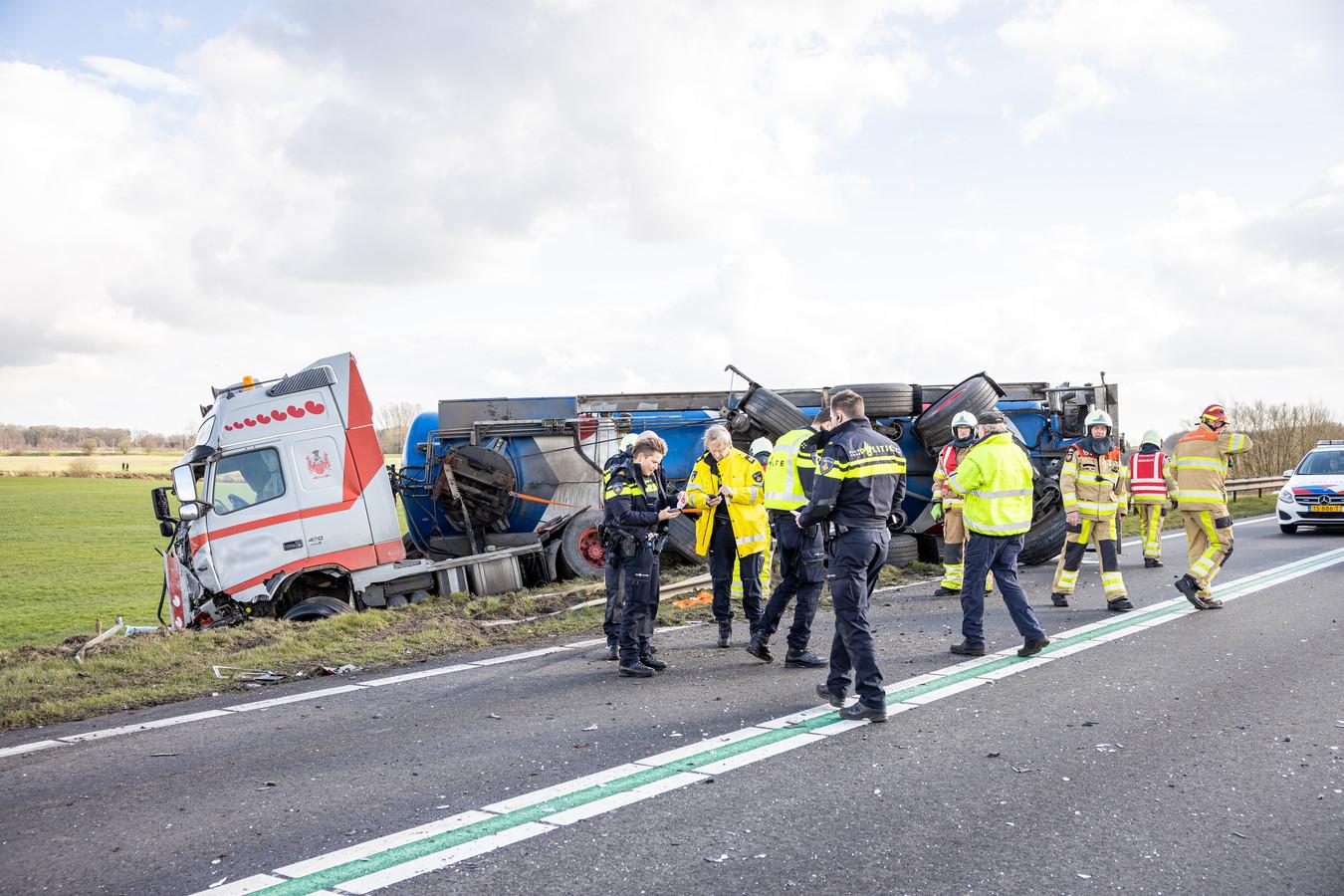 Het ongeluk in Beerze waarbij een voetballer van HHC Hardenberg om het leven kwam.