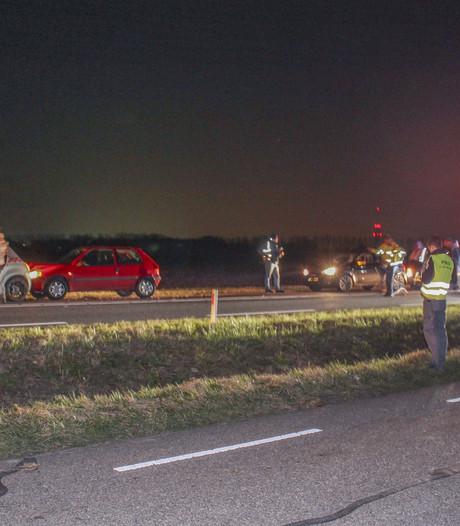 Drie gewonden bij botsing met vijf voertuigen op Deltaweg