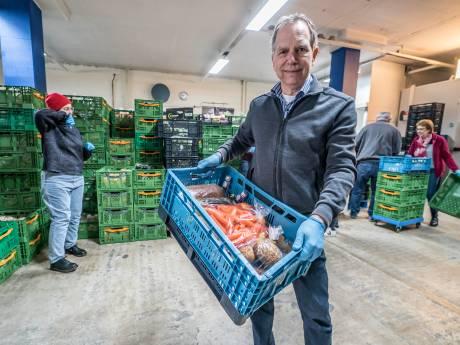 Voedselbank Delft krijgt donatie voor aanschaf houdbare producten