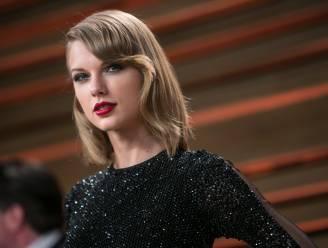 Taylor Swift bezoekt zieke kindjes