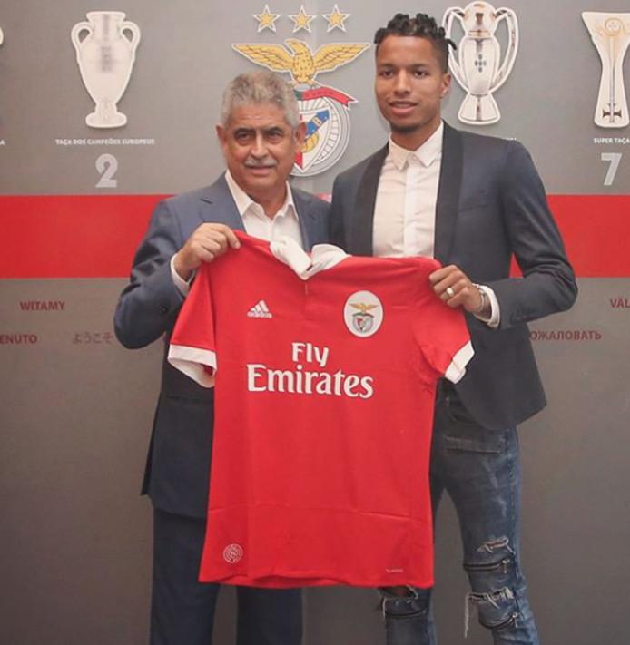 Tyronne Ebuehi maakte een droomtransfer naar Benfica.