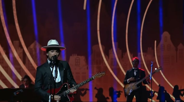 Zanger Pedro Tatanka van The Black Mamba, de Portugese act, tijdens de repetities in Ahoy. Beeld YouTube/Eurovision