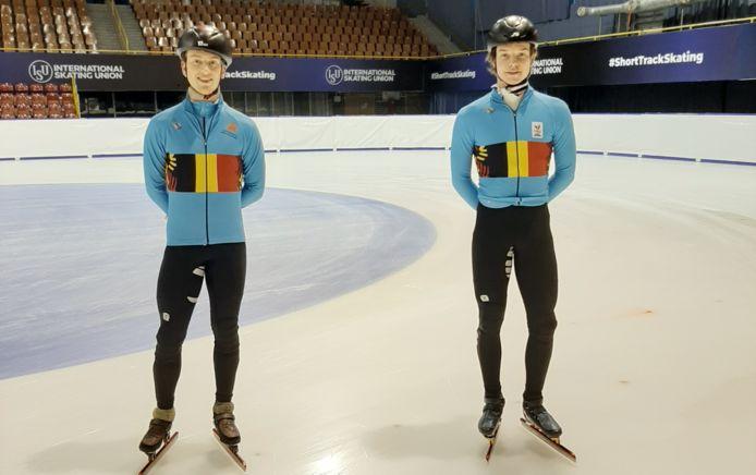 Rino Vanhooren (l.) en Warre Van Damme (r.) op training voor het EK shorttrack.