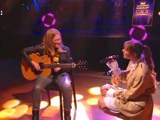 Ontroerend: Maan helpt gitarist Cheyenne als ze het even niet meer weet op Knoopgala