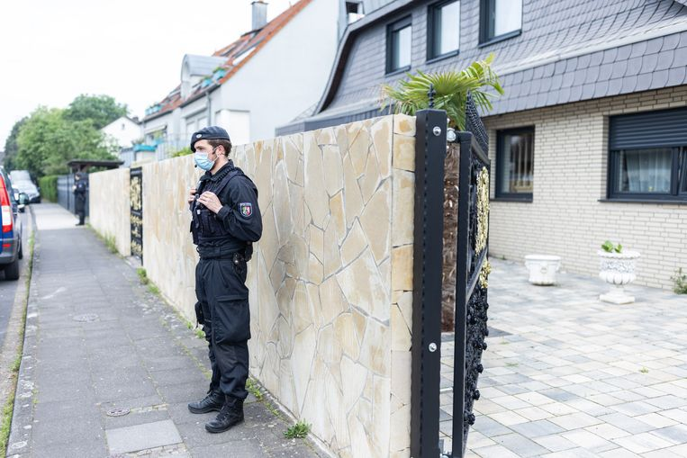 Onder meer in Duitsland vonden gisteren arrestaties plaats. Beeld Marcel Kusch/dpa