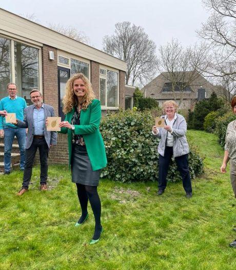 Westlandse Rotaryclubs gaan hospice Beukenrode jarenlang steunen met sponsoring en pubquiz