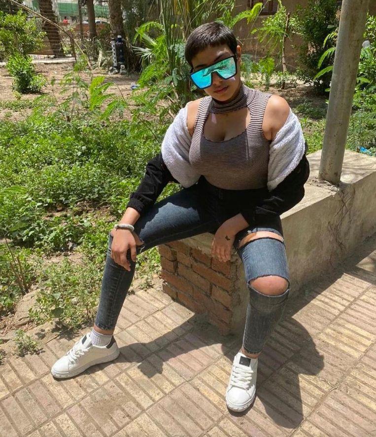 Nadat Khamees aandacht had gevraagd omdat ze was verkracht, kreeg ze het aan de stok met de autoriteiten wegens haar kleding op sociale media. Beeld