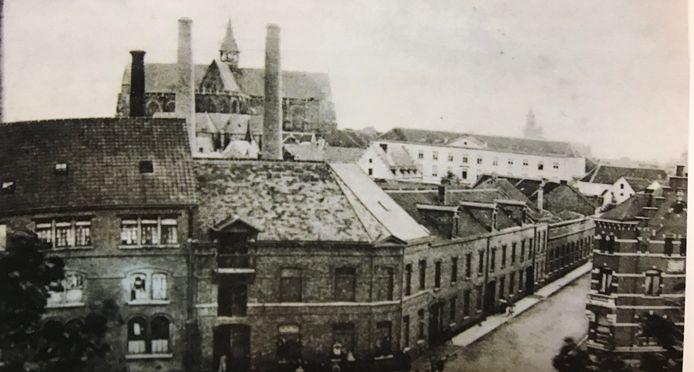 Zicht op de Iweinstraat in 1900.