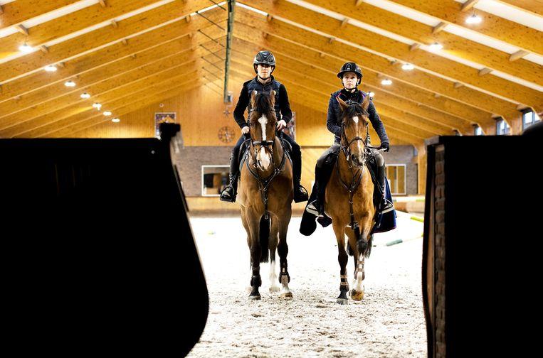 Yannick Janssen en Ava Eden van Grunsven. Beeld Klaas Jan van der Weij / de Volkskrant