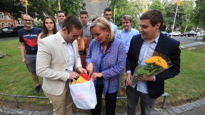 Homans weigert op herdenking Guldensporenslag ludieke 'vod in Belgische driekleur' in ontvangst te nemen