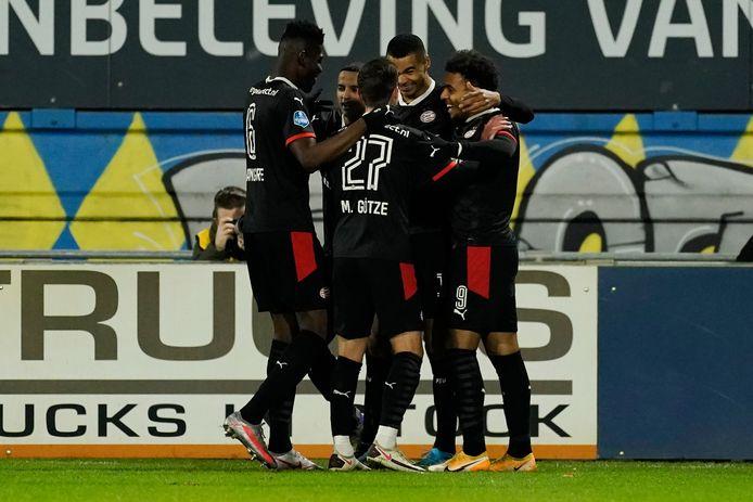 PSV viert de 0-1 van Cody Gakpo in Waalwijk.
