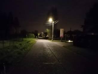"""Aangepaste straatverlichting zorgt voor beroering in Koningshooikt: """"Sommige plaatsen vormen nu een donker hol"""""""
