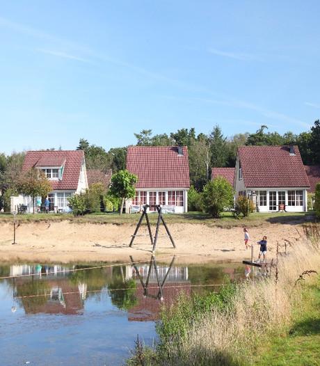Roompotvlag wappert op Vakantiepark Hellendoorn