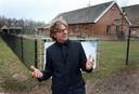 Volgens zijn critici maakt wethouder Jan Overweg een potje van het dossier Houtense kinderboerderij, maar hij houdt voet bij stuk.