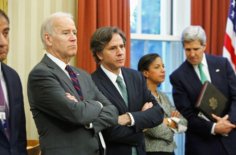 Toenmalig vicepresident Joe Biden en zijn toenmalige vice-veiligheidsadviseur Tony Blinken (midden) in 2013 in het Witte Huis. Naast Blinken staan voormalig veiligheidsadviseur Susan Rice en oud-buitenlandminister John Kerry. Beeld REUTERS
