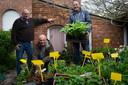 Een archiefbeeld van de plantenbeurs met Paul De Wit, Dirk Buelens en Walter Seghers.