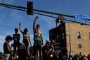 Demonstranten protesteren in Minneapolis naar aanleiding van de dood van George Floyd.