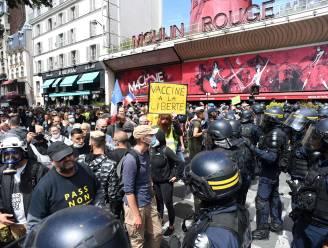 Tienduizenden mensen betogen in Frankrijk tegen coronapas en verplichte vaccinatie