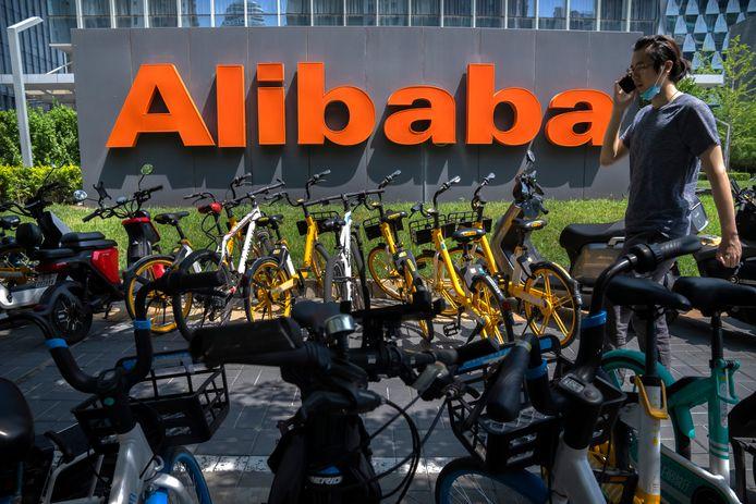 De Chinese overheid dwingt onder meer Alibaba op te treden tegen handelaren die namaakspullen verkopen.