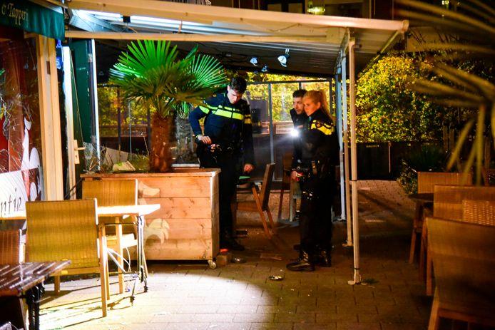 Woensdagmorgen 5 mei ging er een vuurwerkbom af bij café  het Haantje in Rotterdam.