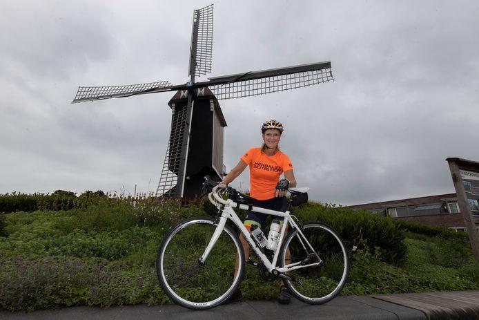 Nicole van Lieshout gaat vier dagen fietsen voor het goede doel: Het Vergeten Kind.