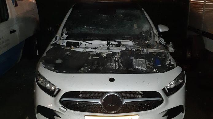 De ontploffing zorgde voor enorme schade bij de auto in Lelystad.