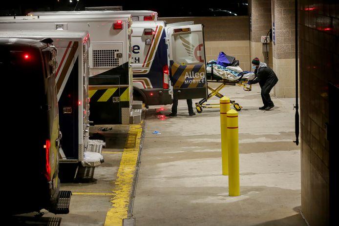 Les patients du centre médical de St. David's South Austin sont transférés vers d'autres hôpitaux.