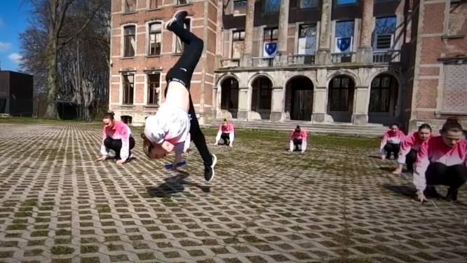 Jumping Onions brengen indrukwekkende online danceshow '1 jaar geskipt'