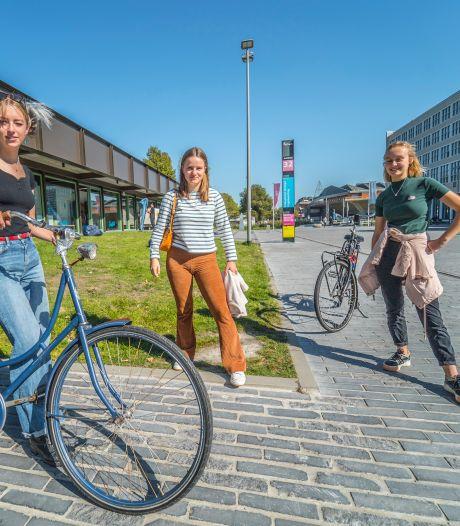 Nieuwe Delftse studenten hunkeren naar de tijd dat ze brak in de collegebanken kunnen zitten
