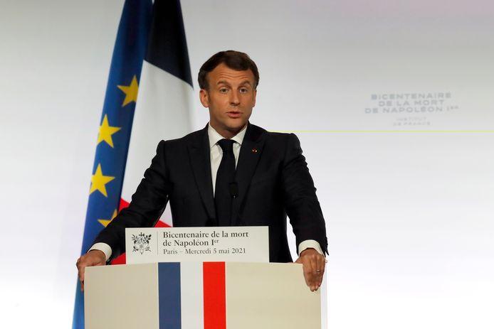 De Franse president Emmanuel Macron geeft een speech ter gelegenheid van het overlijden van Napoleon, vandaag tweehonderd jaar geleden.