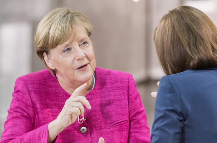 Merkel in de studio van ZDF.