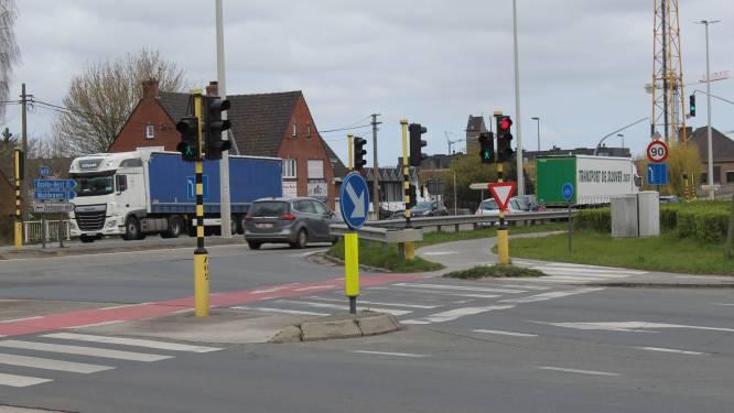 Ingrijpende plannen: twee gevaarlijke kruispunten N44 worden omgevormd tot één nieuw verkeersknooppunt