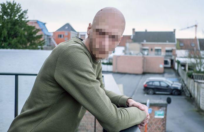 Steven V. (35) is kapot van het feit dat X. stierf aan een overdosis.