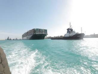 Vastgelopen containerschip Suezkanaal helemaal los, scheepsverkeer weer op gang
