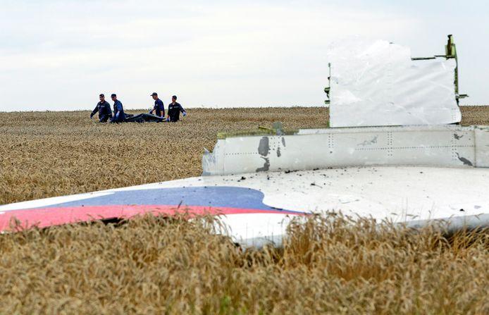 Brokstukken van vlucht MH17 die werd neergehaald boven Oekraïne in juli 2014.
